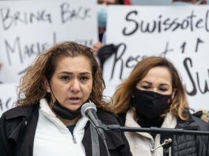 Former hotel workers sue Swissotel Chicago, accused it of violating 'Right to Return to Work' ordinance