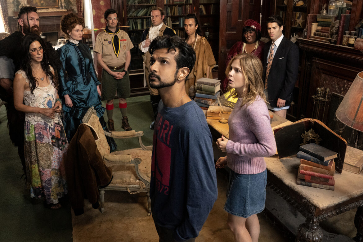 New CBS sitcom 'Ghosts' adds a few clever twists
