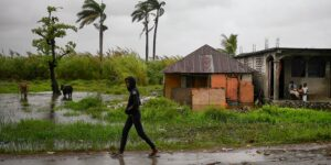 Haiti gang kidnaps US missionary group, including children