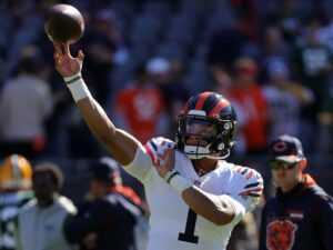 In one play, Bears and Justin Fields show why they don't stack up to rival Packers
