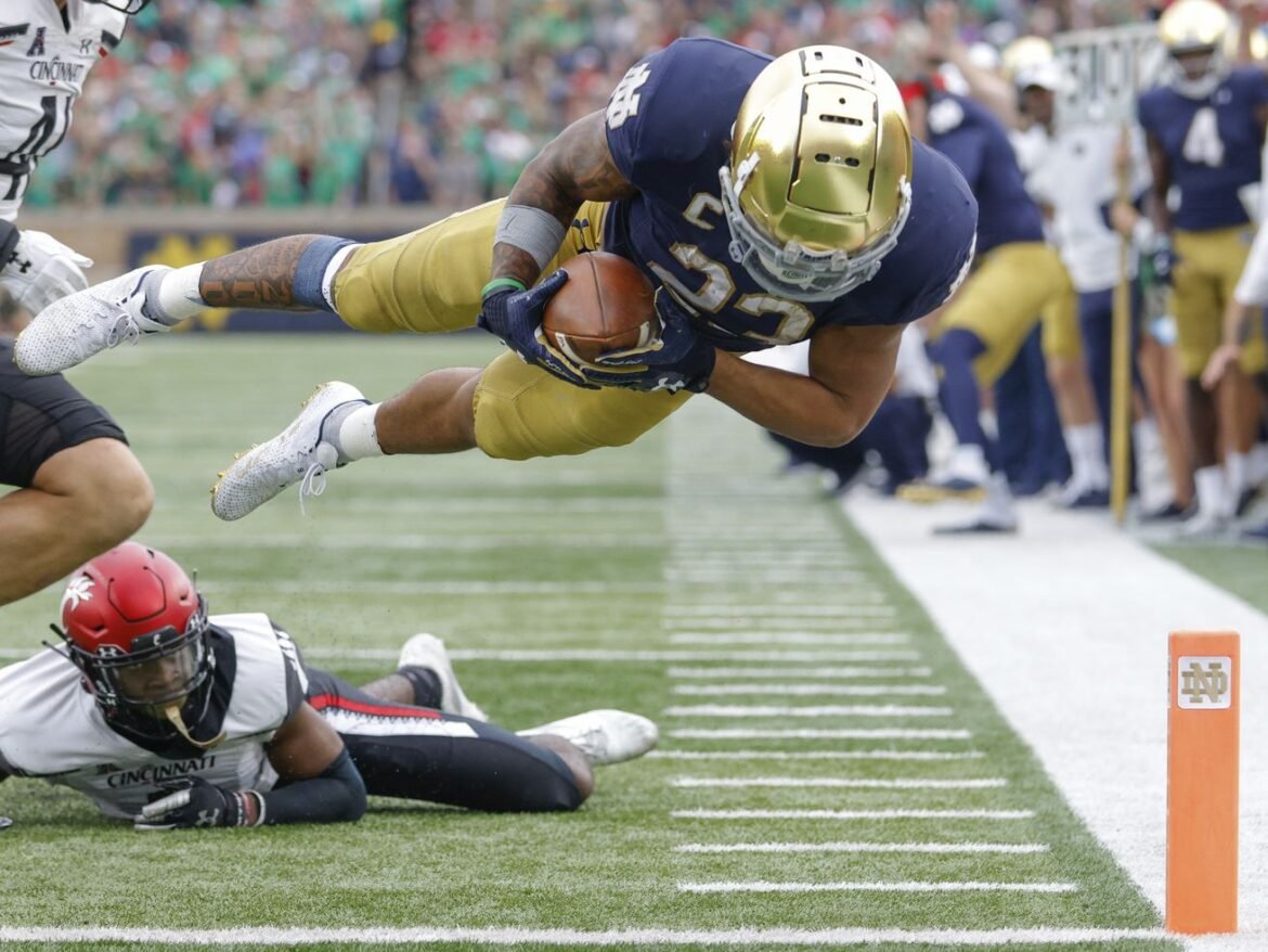 Notre Dame falls at home to visiting Cincinnati in top-10 matchup
