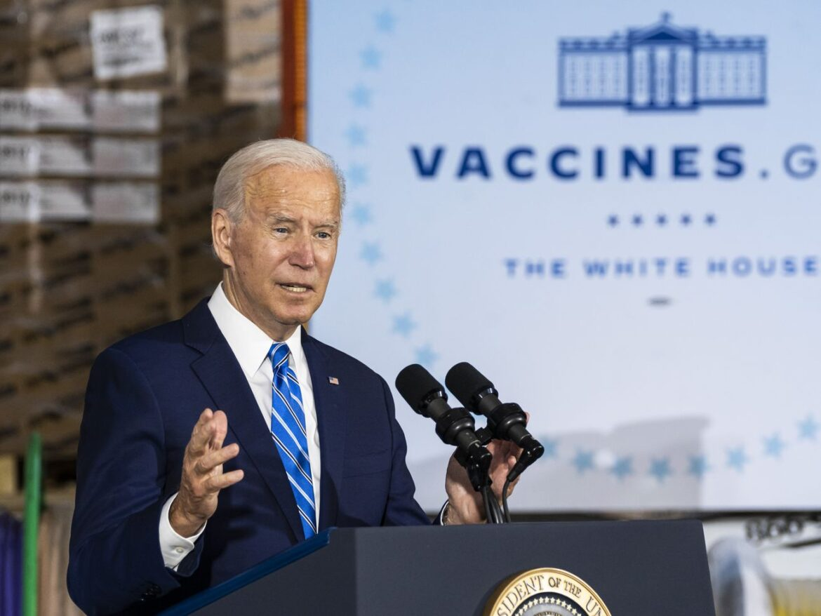 President Biden in Elk Grove Village boosts business vaccine requirements, takes poke at Fox News