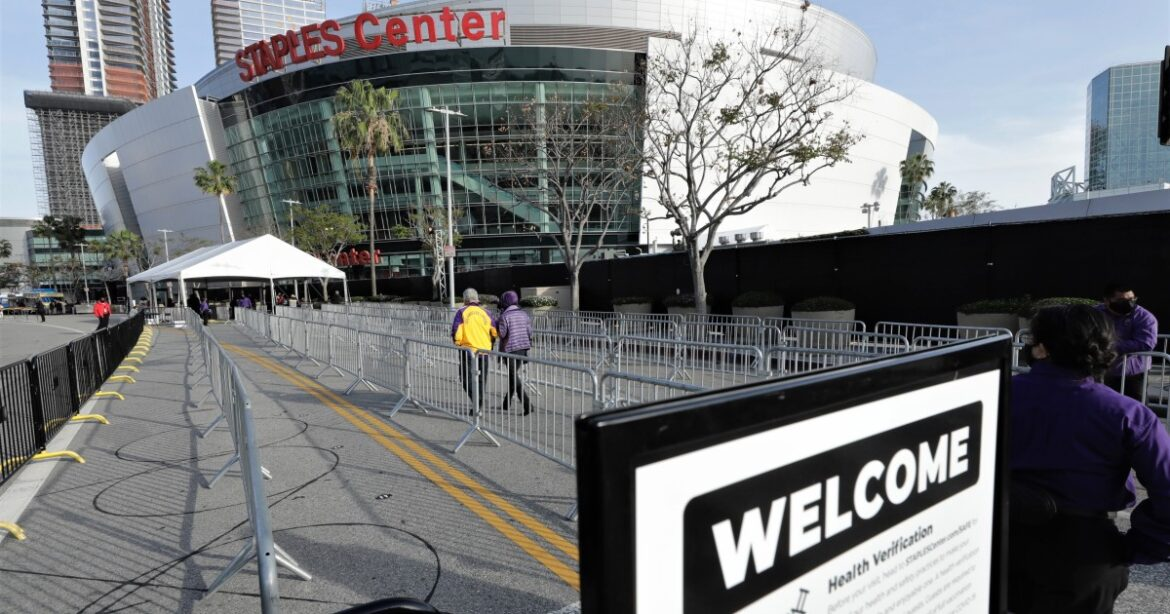 Staples Center health protocols won't change with city vaccination ordinance