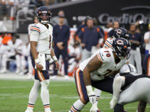 This You Gotta See: Justin Fields meets the Packers; Sky shoot for the confetti