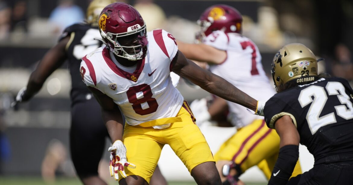 USC's Michael Trigg appears to avoid serious injury; timetable for return isn't clear