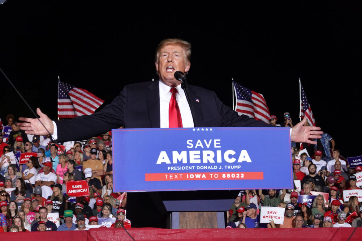 Very Stable Genius Former President Rambles Endlessly During Iowa Rally