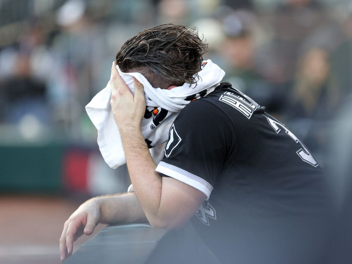 White Sox bow out of postseason with resounding thud